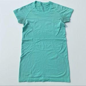 Lululemon Short Sleeve Size 4